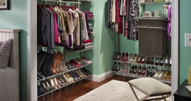 celine dion has a wardrobe with three thousand pairs of