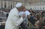 (VIDEO): Pope makes toddler cry
