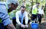 Tony Abbott cuts ambitions on carbon