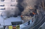 (VIDEO) Plane crashed into the DFO shopping centre in Melbourne