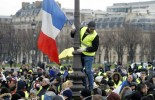 'Yellow vests' protest despite Macron's grand debate